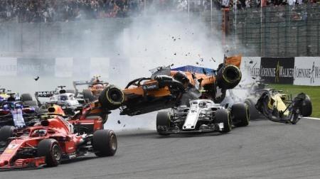 ヒュルケンベルグに重いペナルティ@F1ベルギーGP