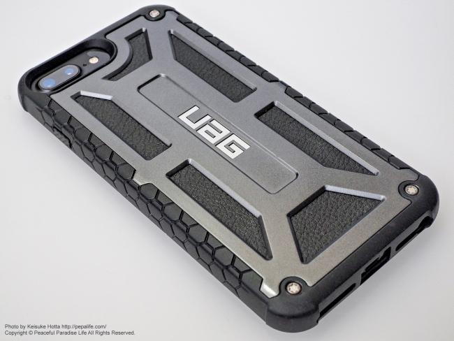 UAG MonarchにiPhone7Plusを装着