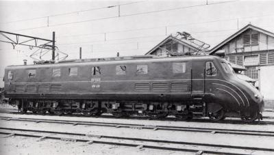 1920px-JGR_EF552_sideview.jpg