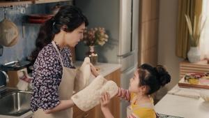 松嶋菜々子&阿由葉さら紗 大正製薬パブロンSゴールドW「二人でお菓子作り」篇0006