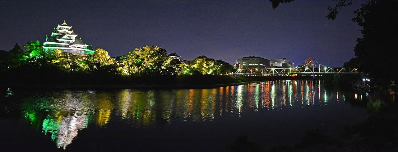 20180827撮影の夏の烏城灯源郷烏城側の今年の水辺の回廊ワイド風景 (1)