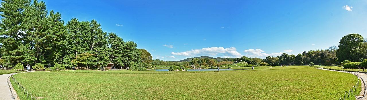 20181006 後楽園今日の午後の鶴鳴館東散策路から眺めた園内ワイド風景 (1)