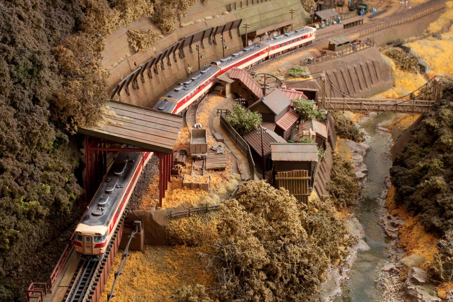 鉄道模型モジュール 渓谷 駅