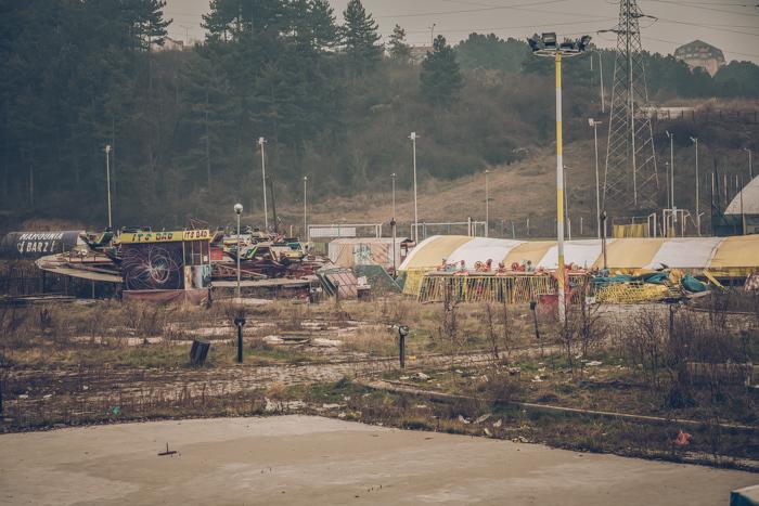 20180828_kosovo_abandoned_amusment-park_1.jpg