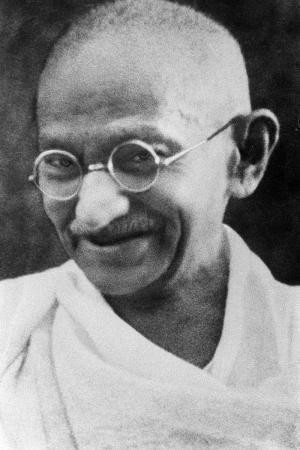 800px-Portrait_Gandhi_convert_20180930232508.jpg
