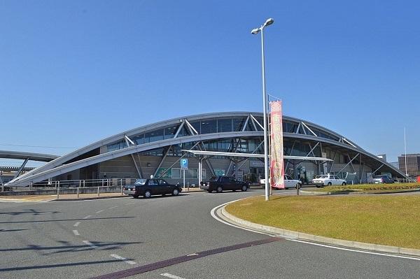1024px-Akayu_Station_ekisha.jpg