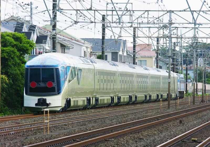 TRAIN SUITE 四季島 EF66-100 サメ 東海道線 大磯 二宮 甲種回送 撮影地