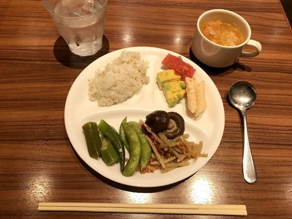 オリーブダイニング The Olive Dining (1)