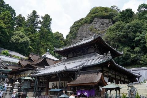 宝山寺・拝殿(聖天堂)
