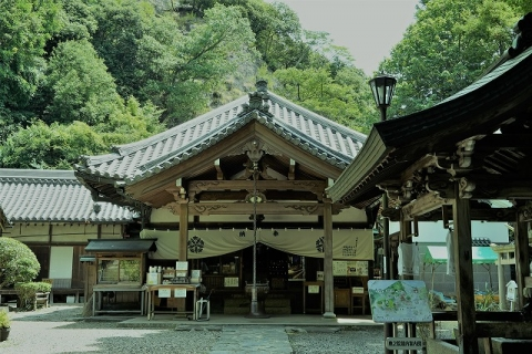 宝山寺・奥の院本堂