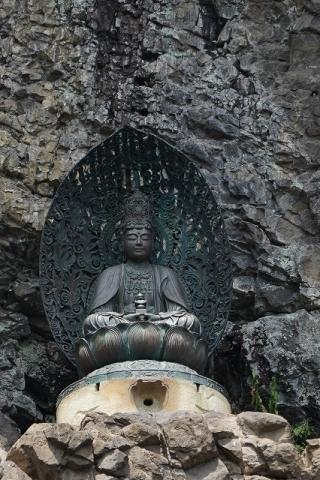 宝山寺・弥勒菩薩