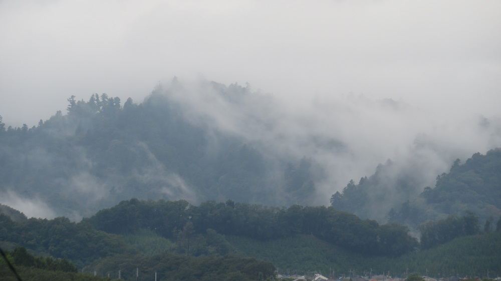 1雲が湧くIMG_4867