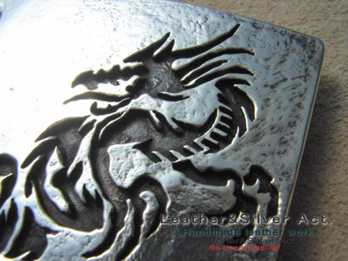 ドラゴンのシルバーベルト