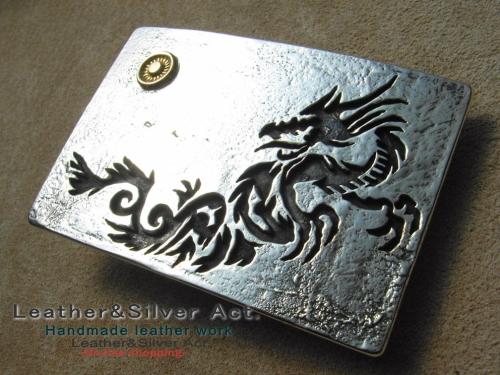 ドラゴンのシルバーバックル