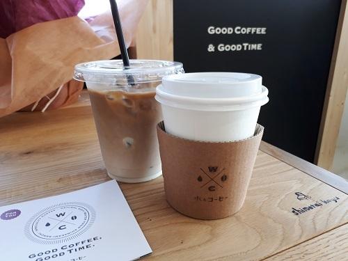 水とコーヒー コーヒー