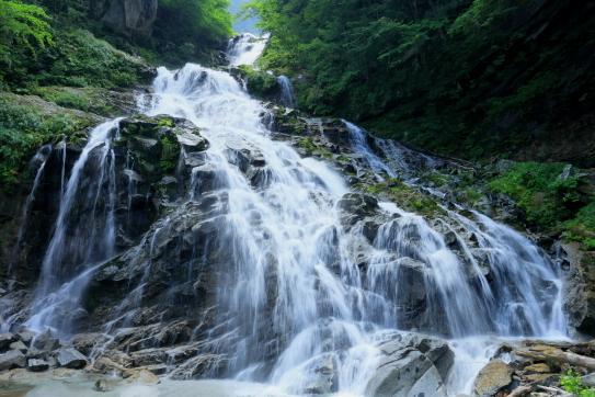水量豊かな南精進ヶ滝