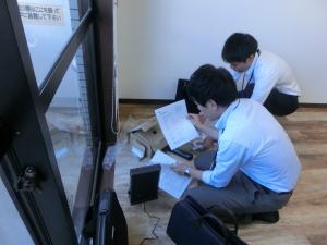 NTTの方々が作業して下さっています