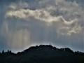 驟雨と光筋