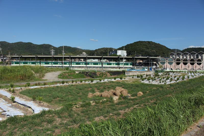 京阪宇治駅と電車 080825