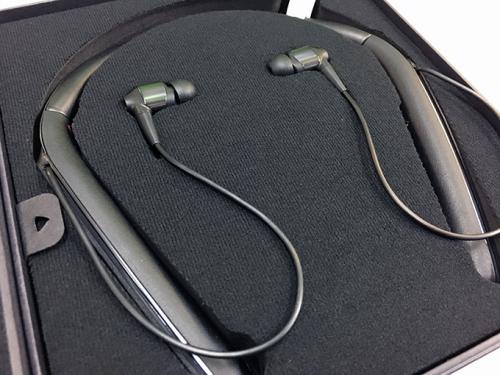 Sony-WI-1000X-Wireless-Noise-Cancelling-Headphone.jpg