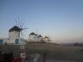 早朝のミコノス風車