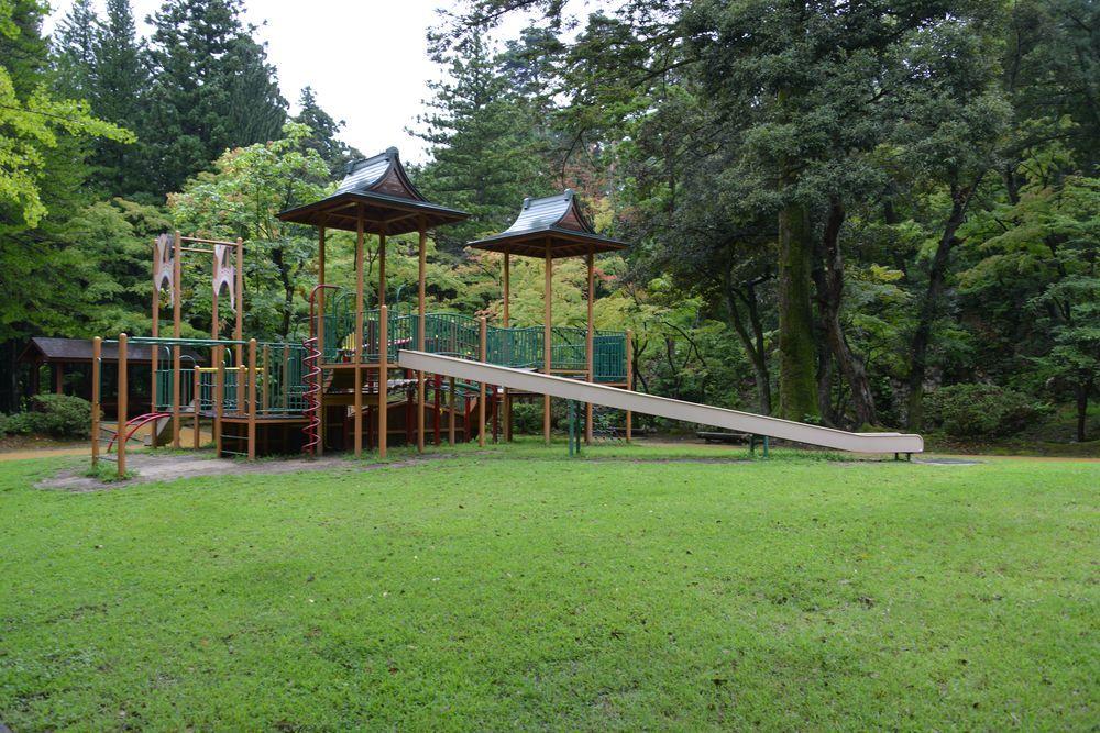 雨の公園-1