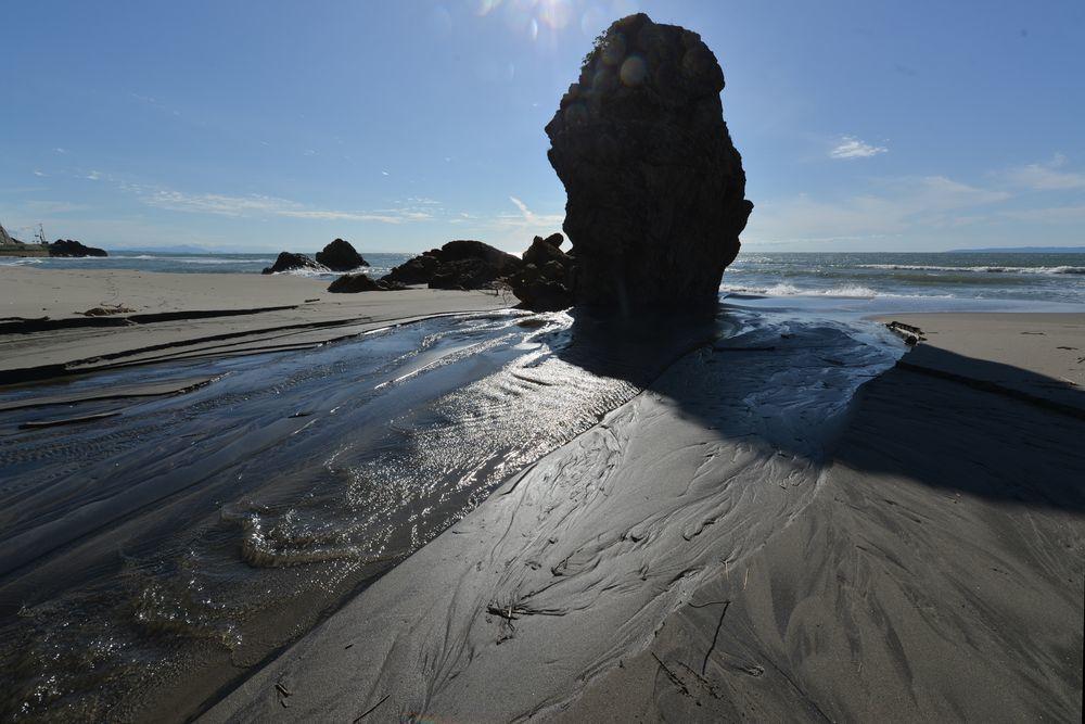 浜に流れ込む-2