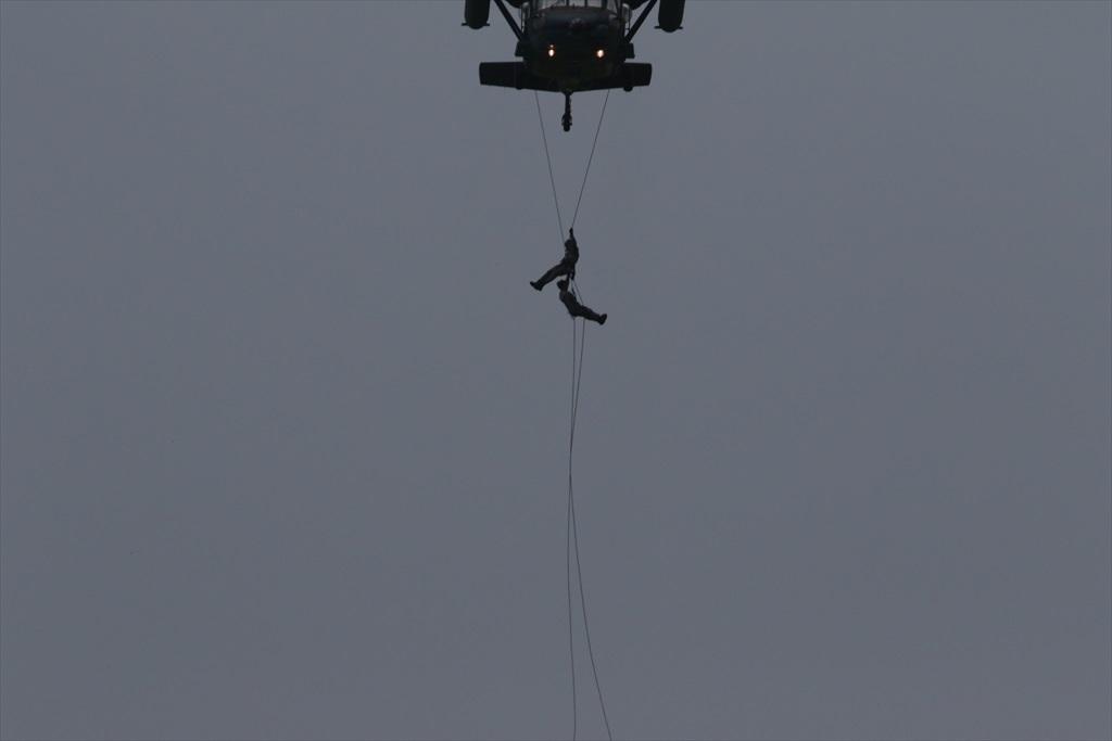 救難ヘリコプターUH-60Jの出動_13
