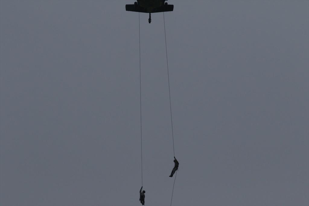 救難ヘリコプターUH-60Jの出動_16