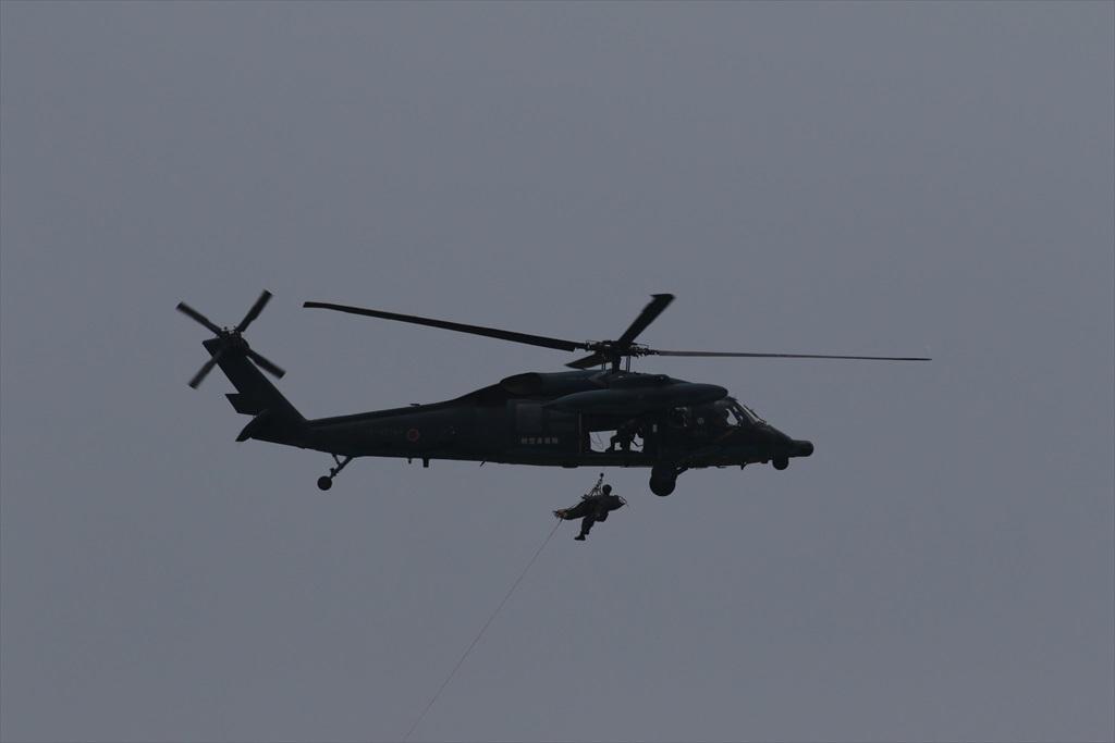救難ヘリコプターUH-60Jの出動_22