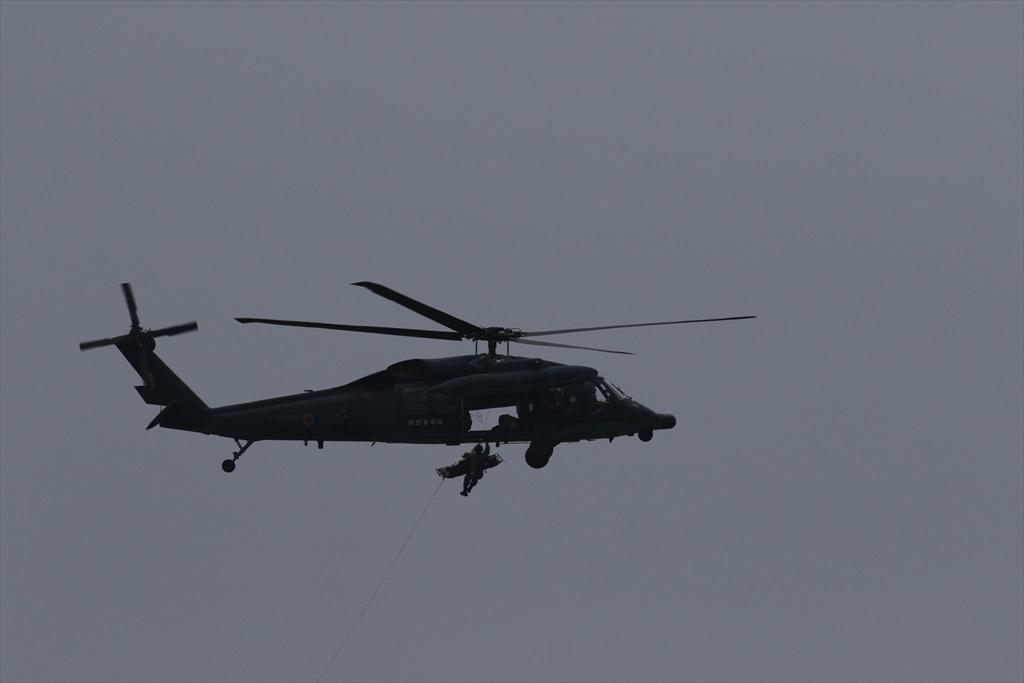 救難ヘリコプターUH-60Jの出動_24