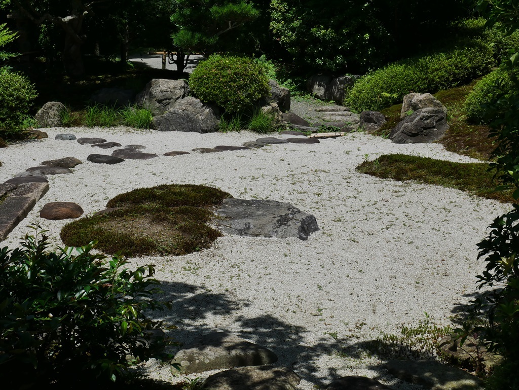 喜泉庵(きせんあん)と枯山水の庭_4