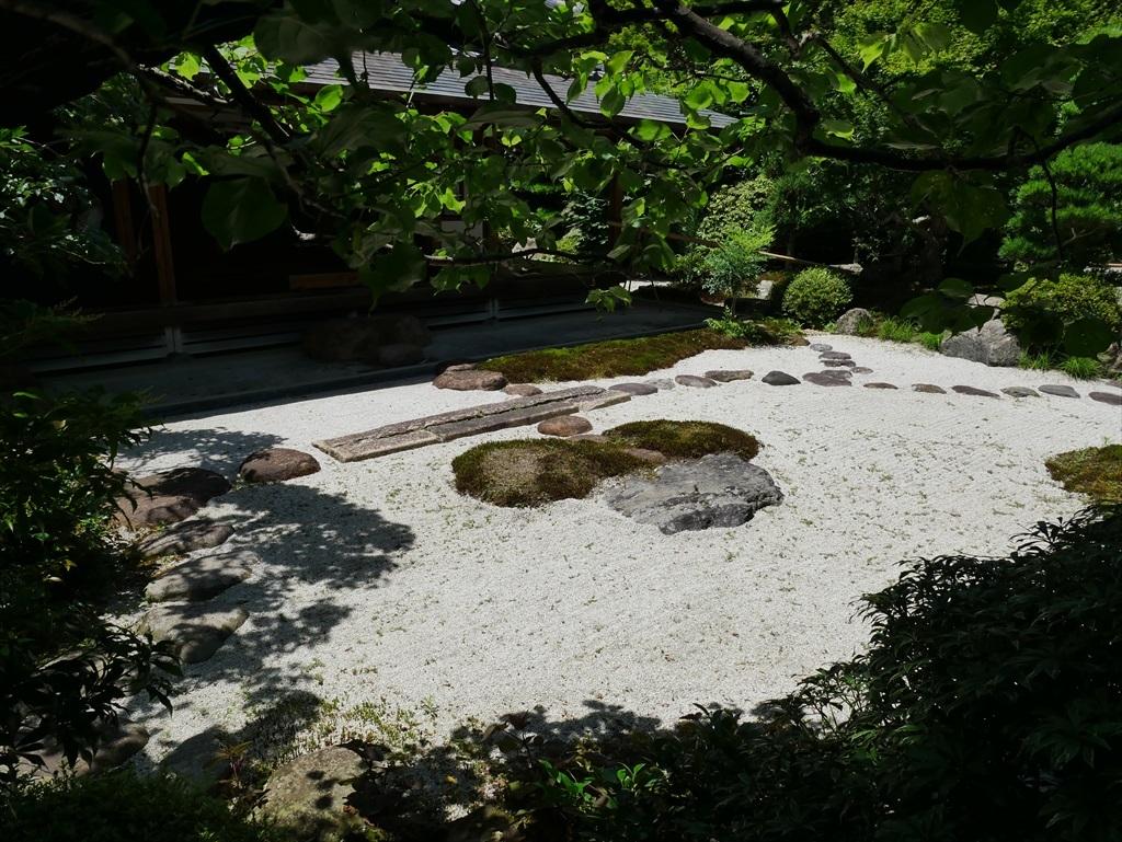 喜泉庵(きせんあん)と枯山水の庭_5