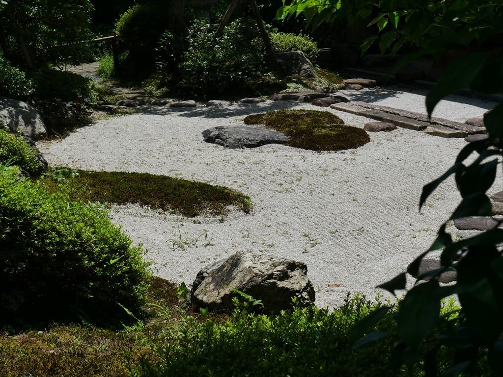 喜泉庵(きせんあん)と枯山水の庭_8