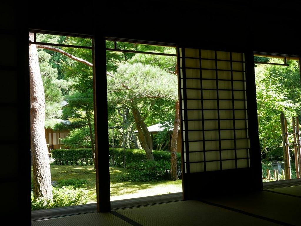 庭園を眺める_2