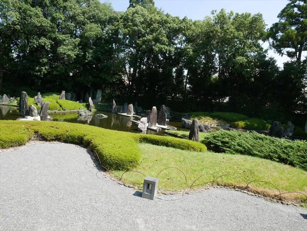 蓬莱(ほうらい)の庭_2