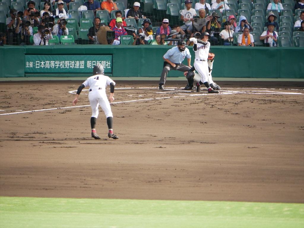 3番福光君が打席(1塁走者はヒットで出塁の吉岡君)