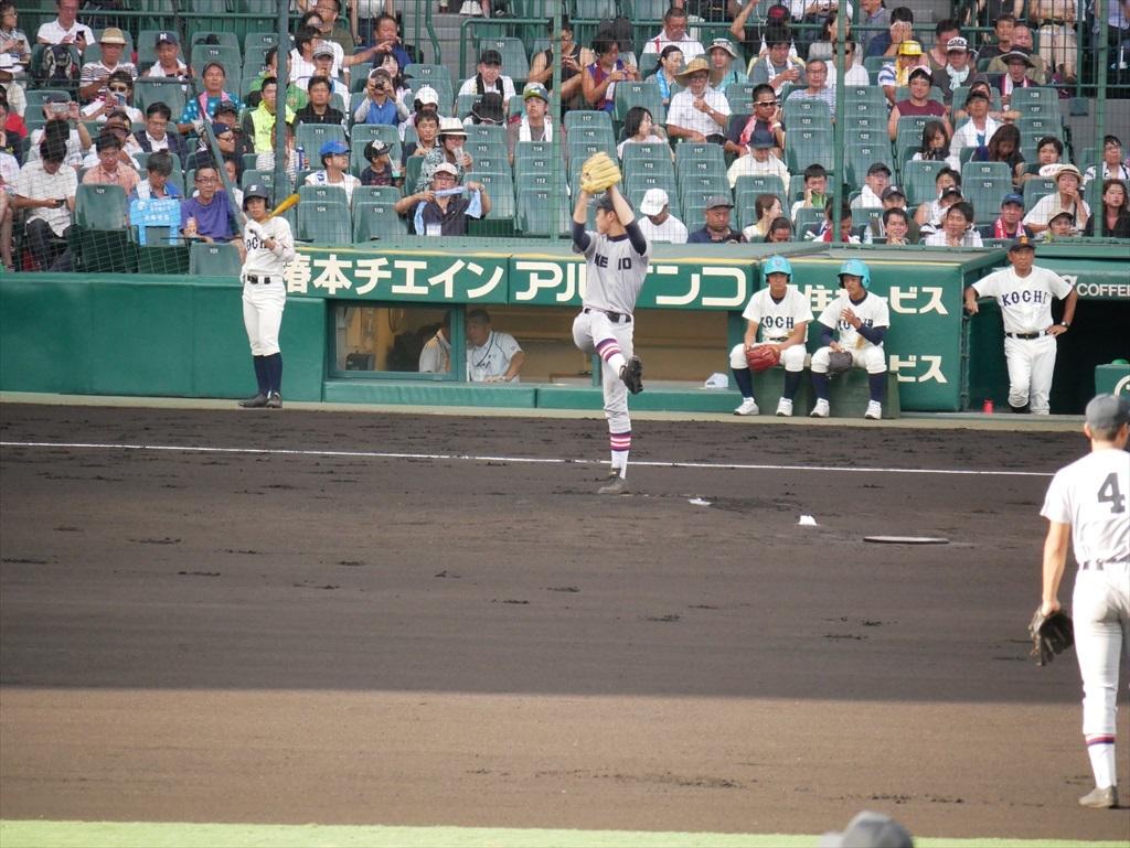 先発した生井君の投球フォーム_1