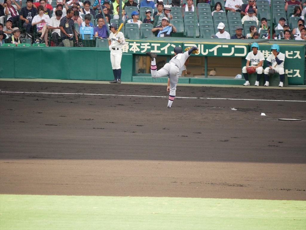 先発した生井君の投球フォーム_12
