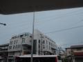180816ぐずつく空の下、バスを待つ
