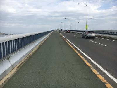 琵琶湖大橋の北側歩道