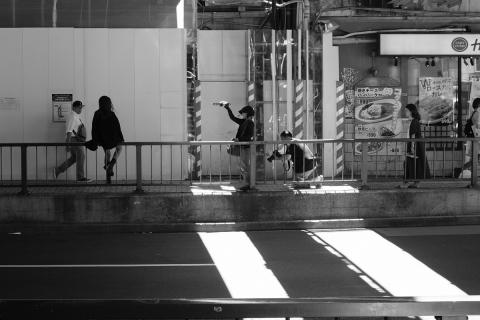 02渋谷ガード下