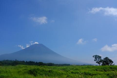10朝霧高原の富士山