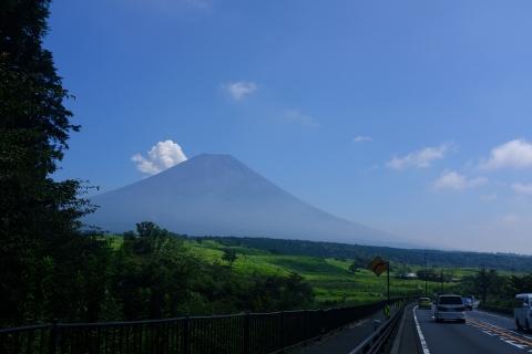 11朝霧高原の富士山