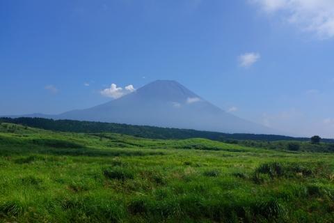 13朝霧高原の富士山
