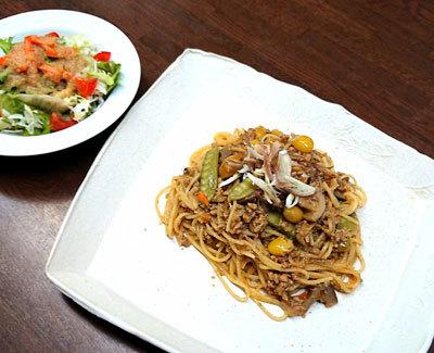 根菜と銀杏と挽肉のスパゲッティ