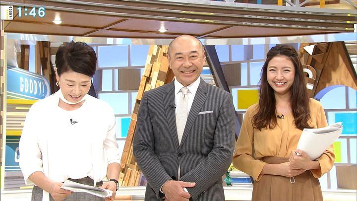 2018年10月02日三田友梨佳の画像10枚目