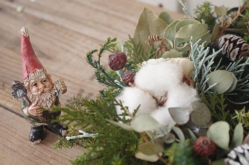綿の実を使ったヒムロスギのプリザーブリース