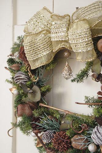 天然素材で作るなナチュラルテイストのクリスマスリース