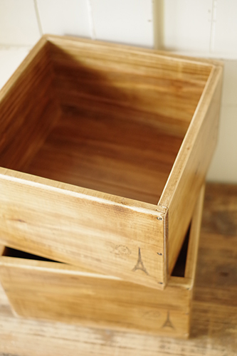 ナチュラルな木製収納ボックス